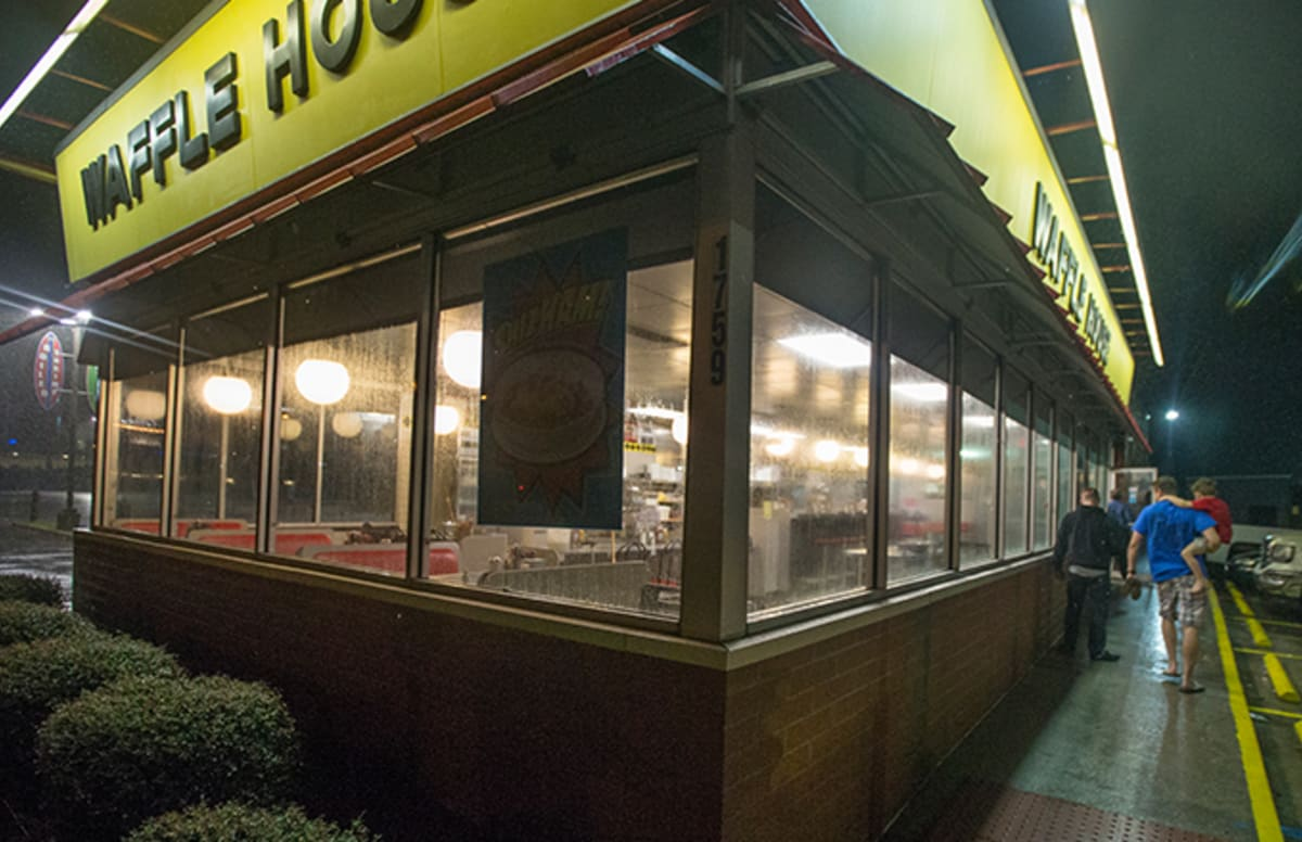 Waffle house employees caught live in action