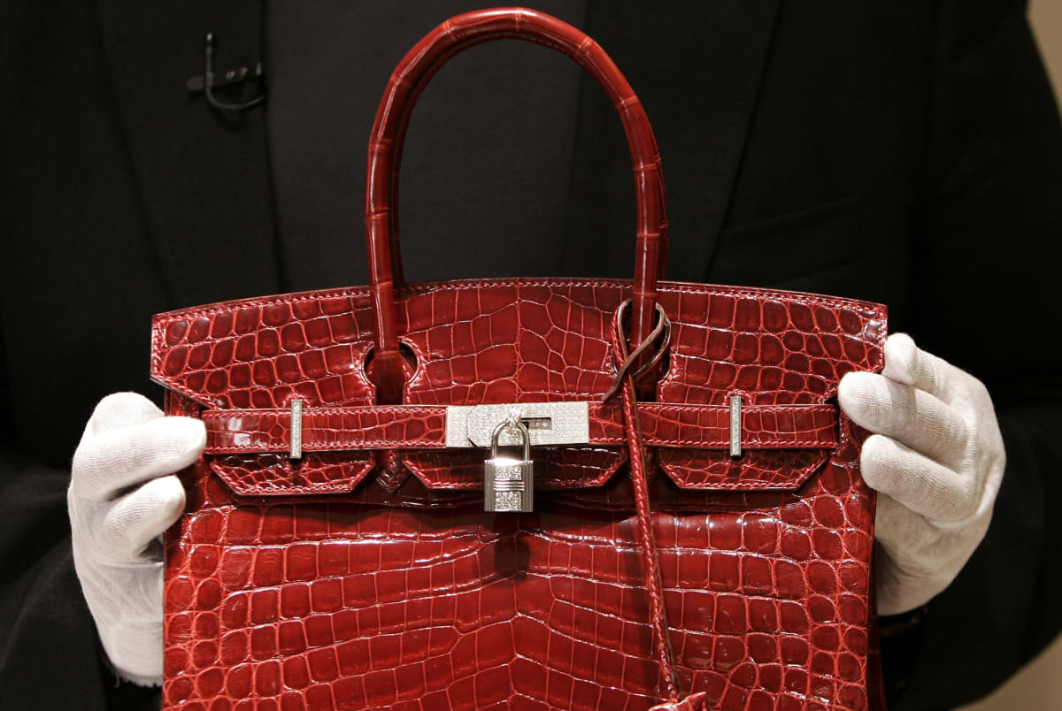 Customers Are Returning Their  20,000 Hermès Bags Because They Smell Like  Weed 5e76125010