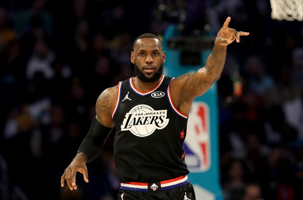 The Lakers Are Reportedly 'Concerned' About LeBron James' Injury