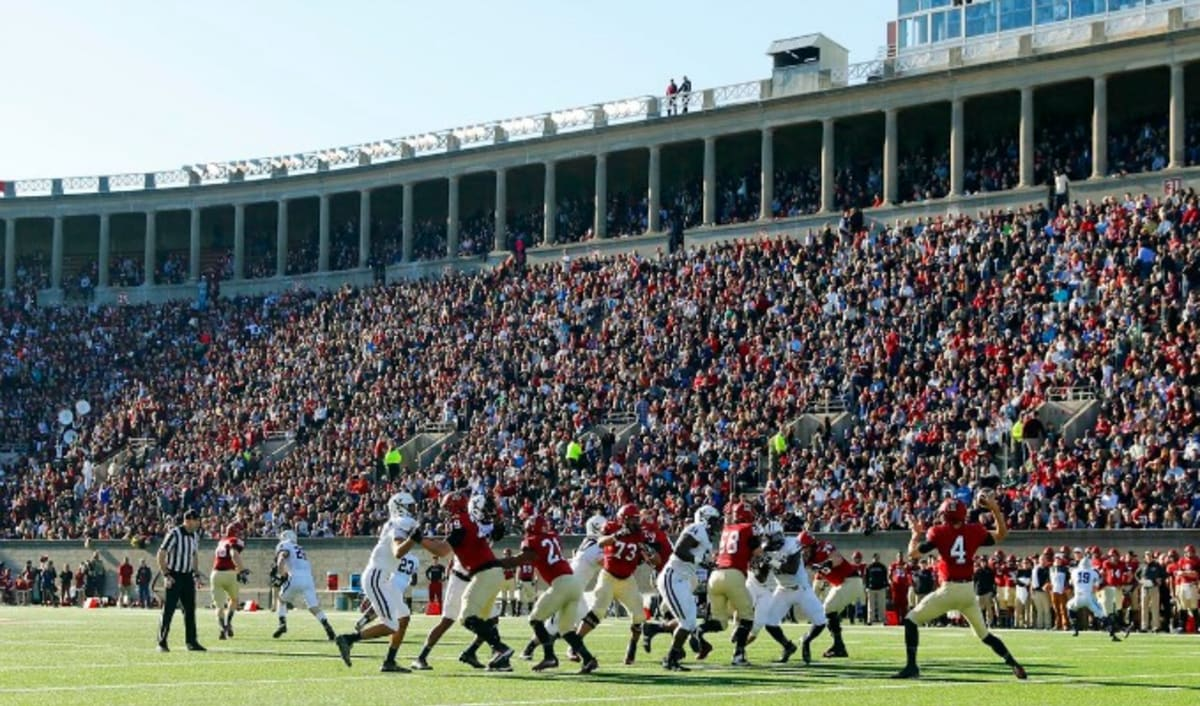 Students Get Naked At The Harvard-Yale Football Game To -3300