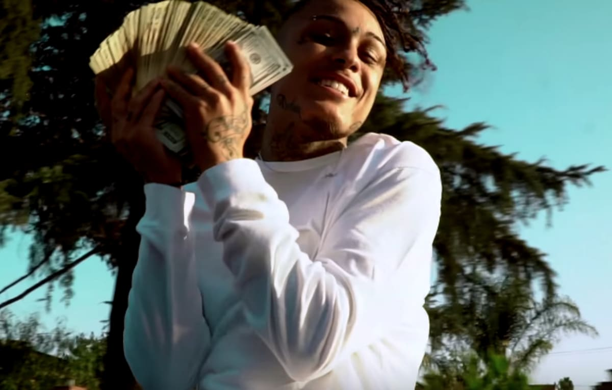 "Premiere: Lil Skies Stunts in ""Signs of Jealousy"" Video"