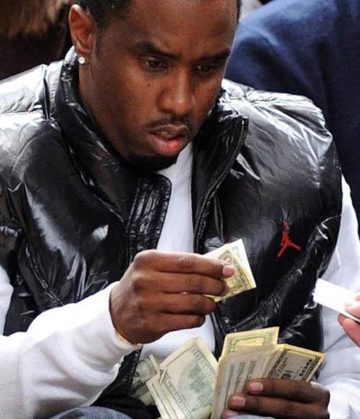 Puff Daddy Finally Addresses That Hilarious $1 Bill Viral Photo