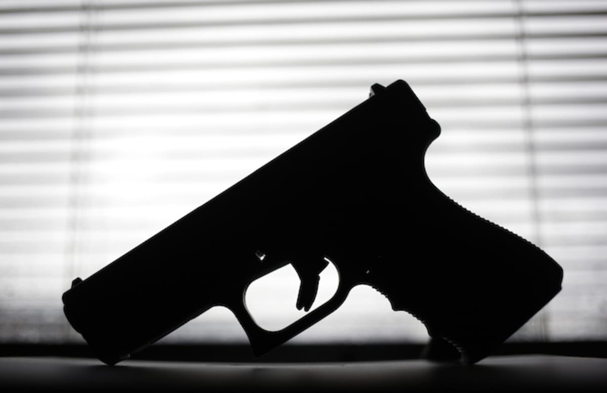 Man Suffers Gunshot Wound to the Head in Facebook Live ...