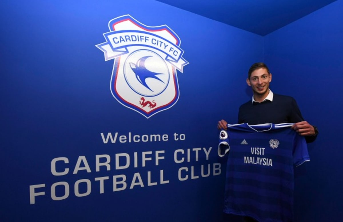 Plane Carrying Soccer Superstar Emiliano Sala Disappears Over English Channel