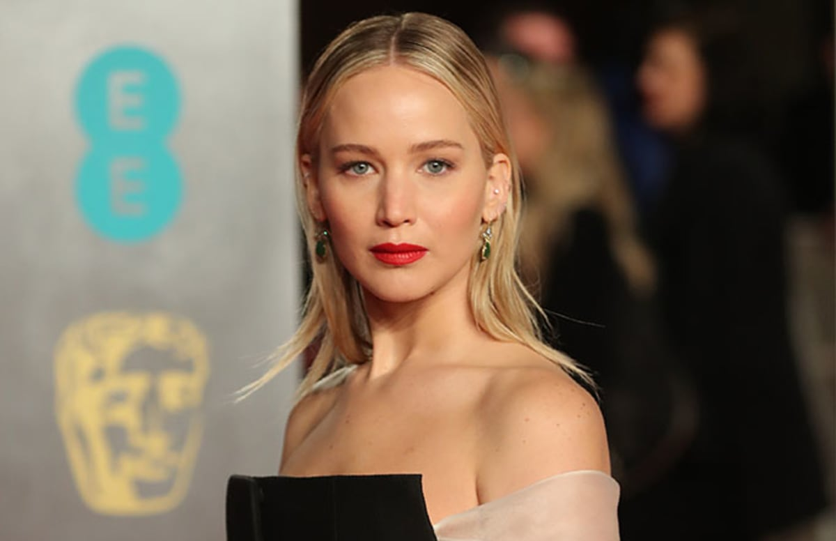 Jennifer Lawrence Admits She Quit School at 14, Doesn't ...