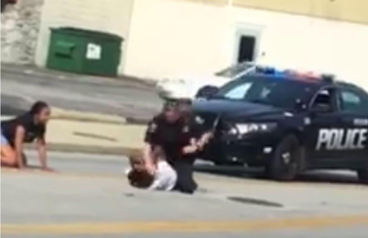 Cops pop kim for speeding away from paparazzi nude (54 photos), Sexy Celebrites foto