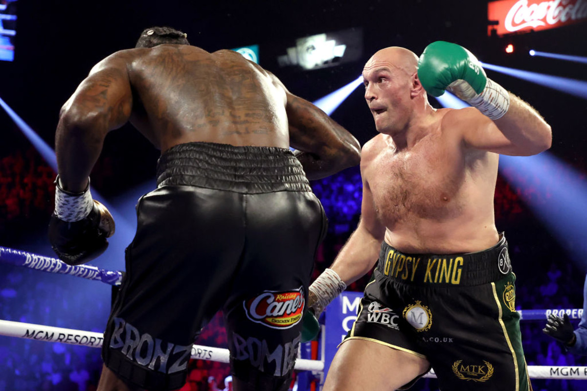 The 10 Best Pound-For-Pound Boxers, Ranked