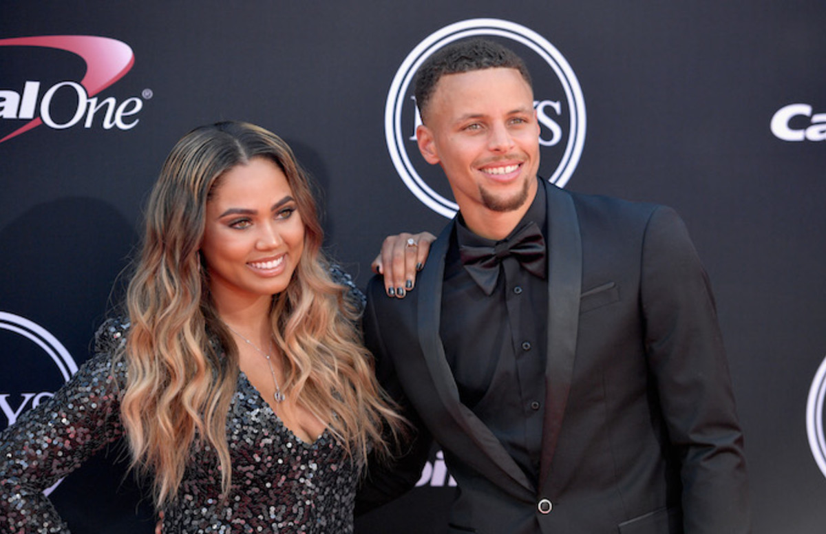 Ayesha Curry Reveals Steph's Sexy Fetish on 'The Real'