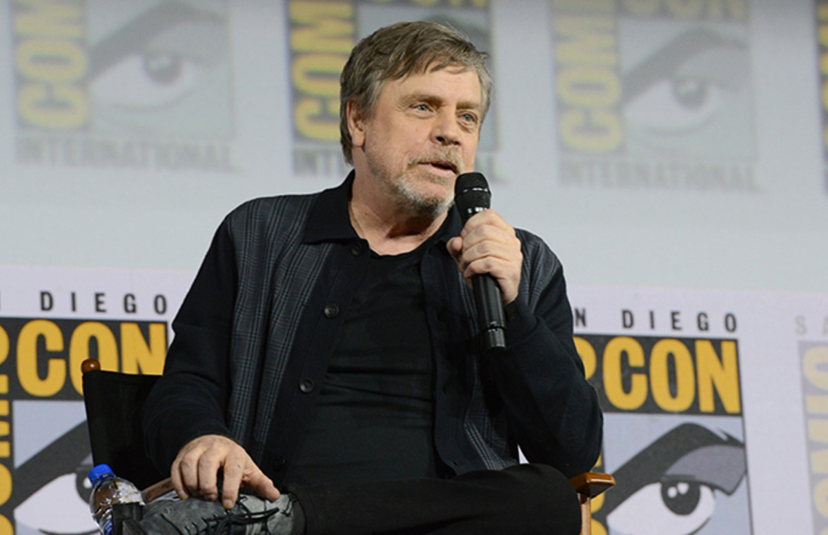 Mark Hamill Responds to Arrest Warrant Issued for Man Named