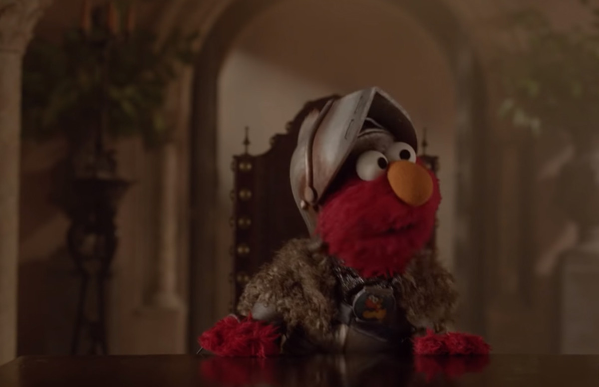 Anti Vaxxers Convinced Sesame Street >> Elmo Visits Westeros In New Game Of Thrones And Sesame Street