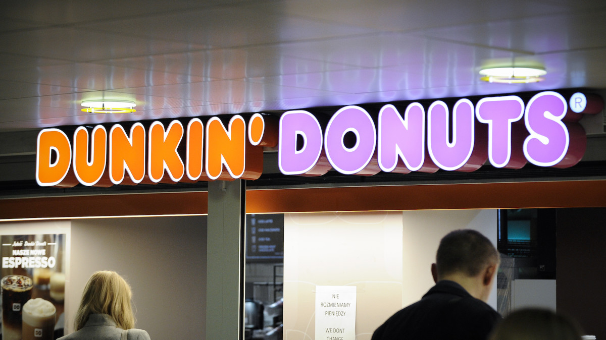 Florida Couple Claims Dunkin' Donuts Employee Gave Them Bloody Doughnuts