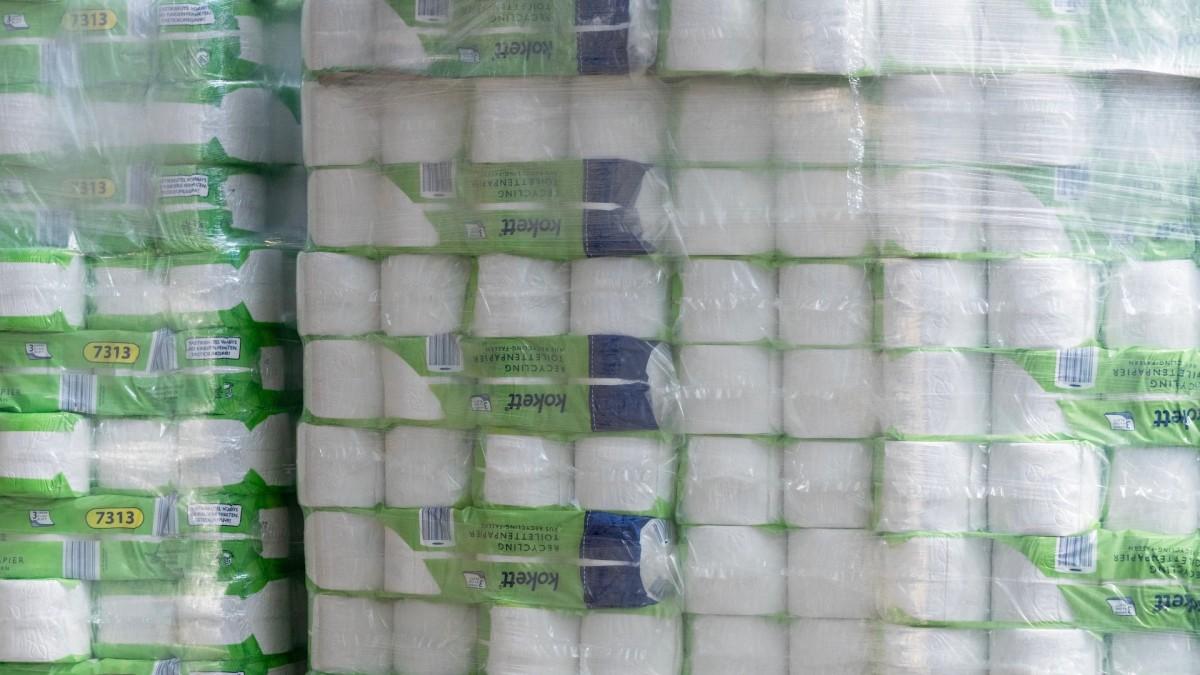 Authorities Find 18,000 Pounds of Toilet Paper in Stolen Semi-Trailer Truck