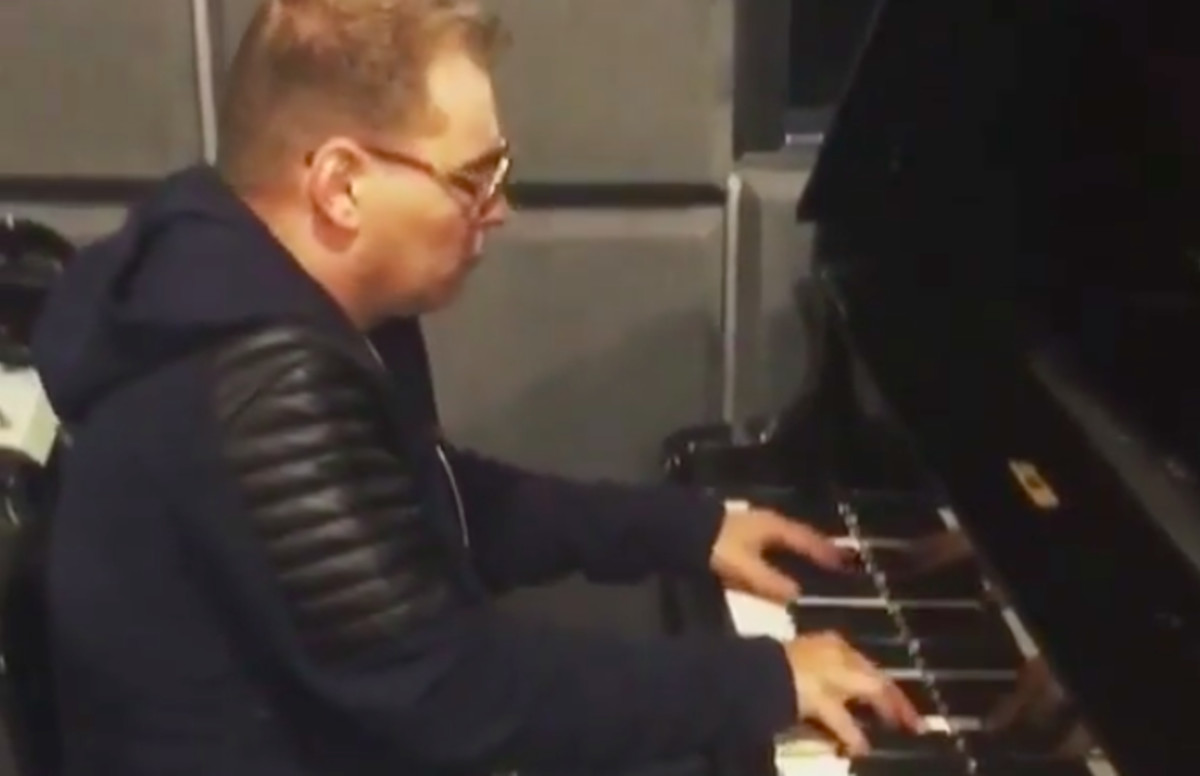 This Video of Scott Storch Remaking His Classic Beats Instantly
