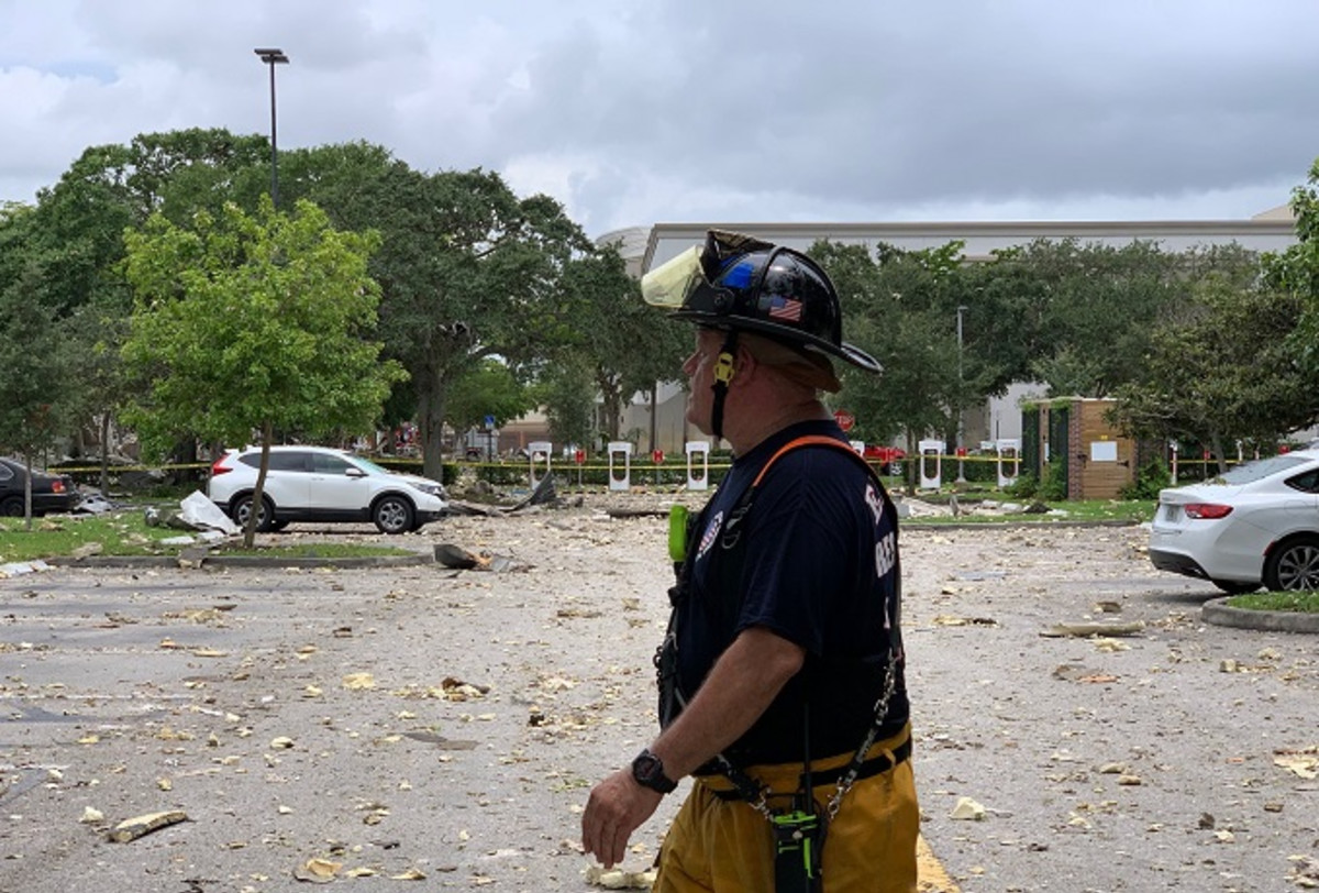 Gas Explosion at South Florida Mall Injures at Least 20 ...