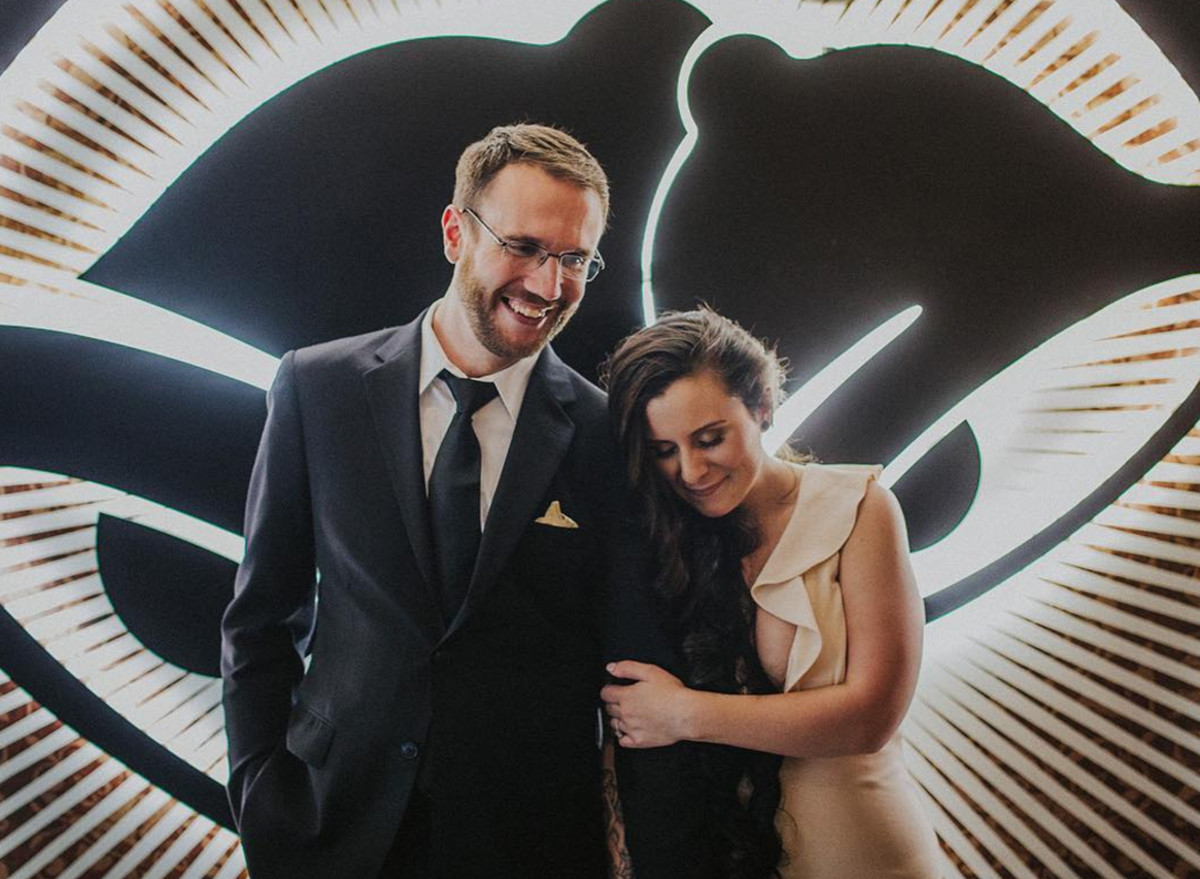 Taco Bell Wedding.Lucky Couple Becomes First To Ever Get Married At Taco Bell Chapel In Las Vegas