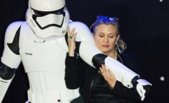 Carrie Fisher attends the European premiere of 'Star Wars: The Force Awakens'