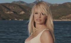 """Pamela Anderson appears in Julien Doré's video for """"Le lac"""""""