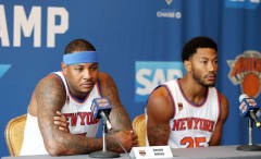 Derrick Rose and Carmelo Anthony speak with reporters for Knicks media day.