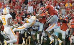 Tennessee Volunteers beat Georgia Bulldogs on game-winning touchdown