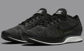 Nike Flyknit Racer in Black