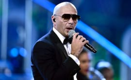 Pitbull at the AMAs