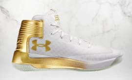 Gold Under Armour Curry 3zer0