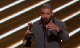 Drake gives acceptance speech at Billboard Music Awards.