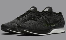 Nike Flyknit Racer in Black