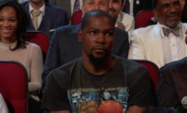 Kevin Durant looking mad at the ESPYS.