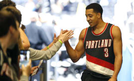 CJ McCollum Blazers Magic 2017