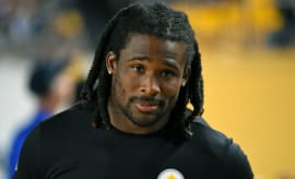 DeAngelo Williams on the sidelines during a preseason game.