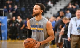 Steph Curry practices before Game 1 of the 2017 NBA Finals.