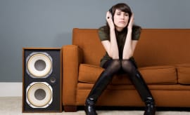 home-speakers-for-apartment-lead