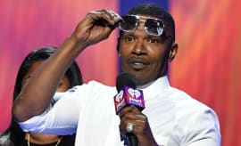 Jamie Foxx hosts a show.