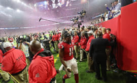 Julio Jones walks off the field after losing in Super Bowl LI.