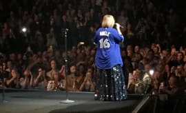 Adele Wore A Blue Jays Jersey For Toronto Show