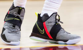 LeBron James Wearing Nike LeBron 14 2016-17 Season