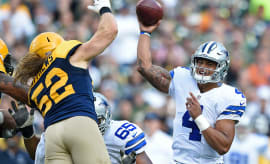 Cowboys rookie quarterback Dak Prescott plays against Packers