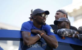 kevin durant riding parade bus