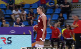 The entire Russian team forgets what basket they shoot on during a U19 Women's Basketball Game.