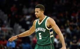 MIchael Carter-Williams Milwaukee Bucks 2016 Slap