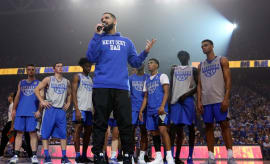Drake Air Jordan 8 Kentucky Midnight Madness PE