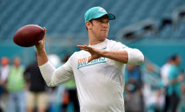 Ryan Tannehill throws pass at practice.