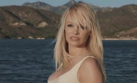 "Pamela Anderson appears in Julien Doré's video for ""Le lac"""