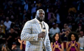 Shaq addresses crowd during statue unveiling ceremony.