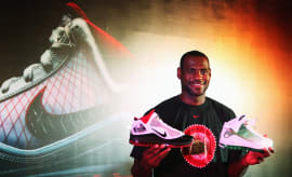 LeBron James Nike LeBron 7