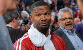 Jamie Foxx at an NBA game.