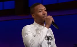 Damian Lillard freestyles on 'Late Late Show.'