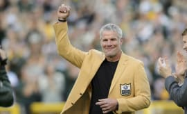 Brett Favre Packers Honor 2016 Cowboys Lambeau Field