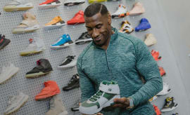 Shannon Sharpe Goes Sneaker Shopping With Complex | Sneaker Shopping